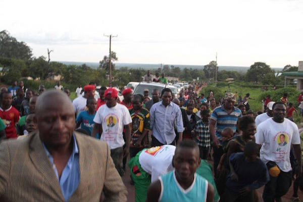 Opposition UPND leader Hakainde Hichilema (in white shirt and folded sleeves), campaigning in Luwingu District of the Bemba-dominated Northern Province. Picture with permission of Zambian Watchdog.