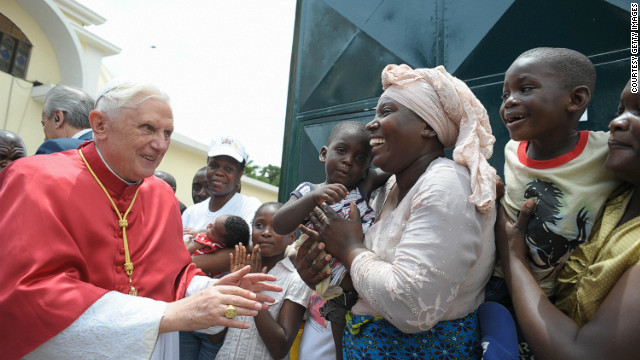 Pope-Benedict-XVI-greeting-Catholics-during-his-visit-to-Luanda-Angola-on-March-21-2009.