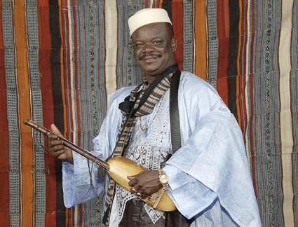Cheick Hamala proudly sharing his 800 years old jelli tradition