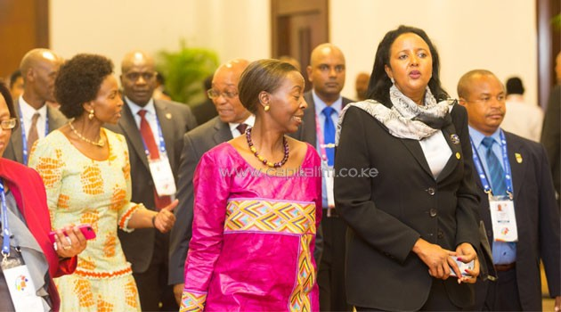 Foreign Affair Cabinet Secretary Amina Mohamed with her Rwanda counterpart Louise Mushikiwabo arrive for the Dialogue Meeting between Coommonwealth Heads of Government and Youth Leaders at Bandaranaike Memorial International Conference Hall in Colomba, Sri Lanka.