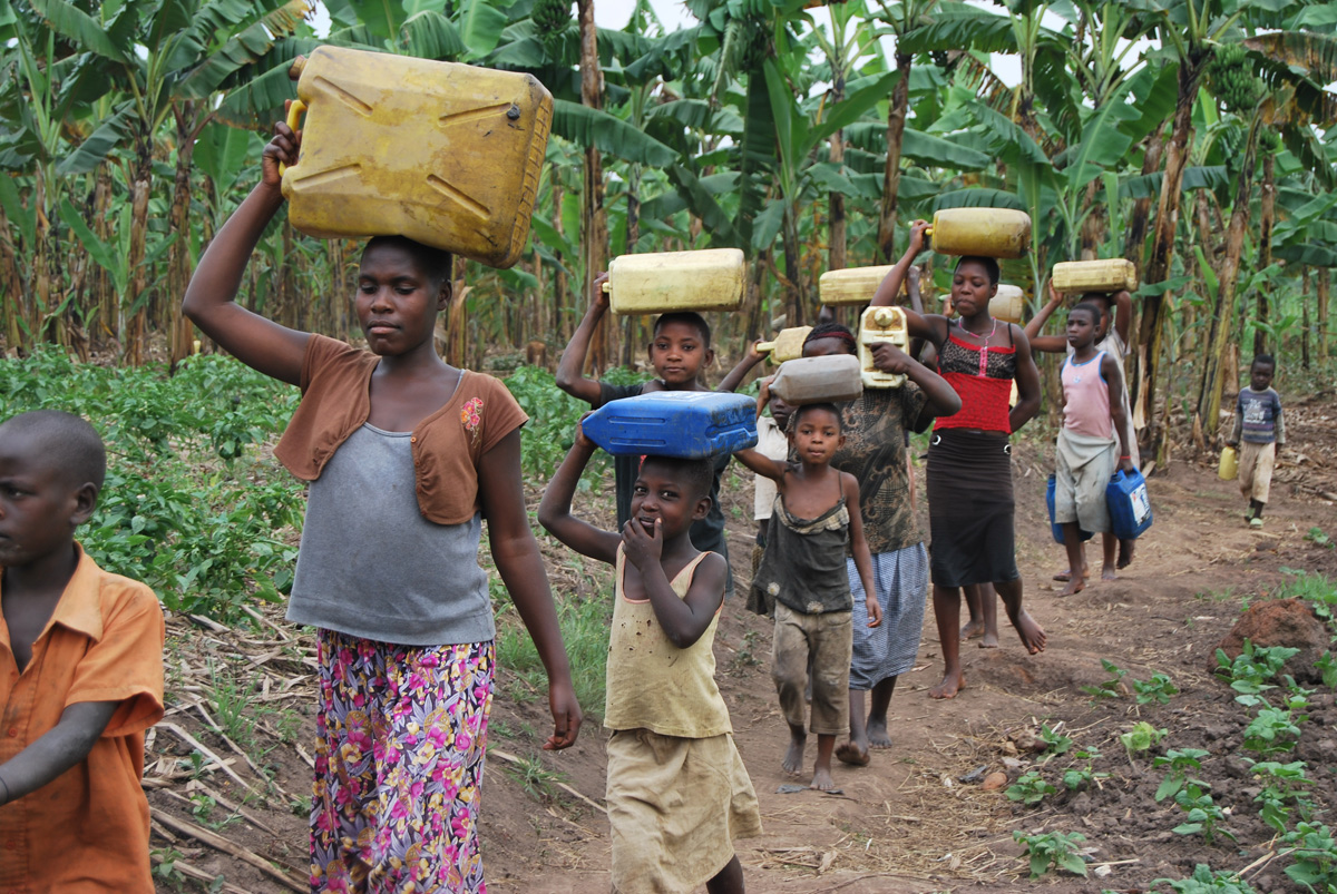 Children coming from fetching water (1)