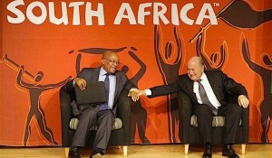 FIFA President Sepp Blatter (R) and South African President Jacob Zuma give a press conference in Johannesburg on 12th March 2010. Photo: AP