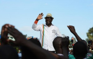 Raila Odinga arrrives for a Coalition for Reforms and Democracy rally on May 31, 2014, in Nairobi (AFP Photo/Simon Maina)