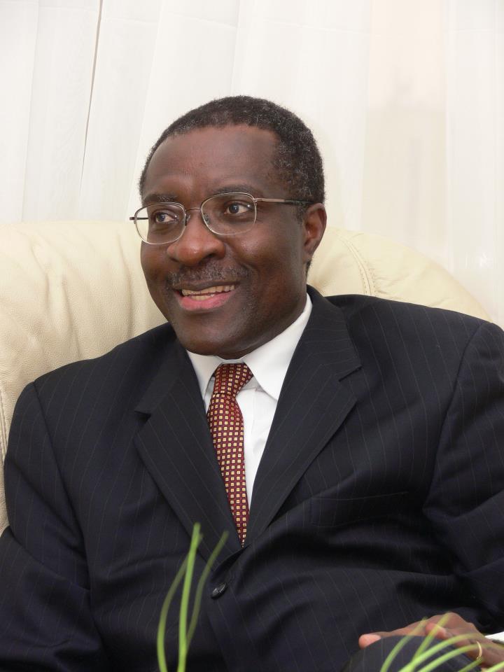 Dr Chris Fomunyoh