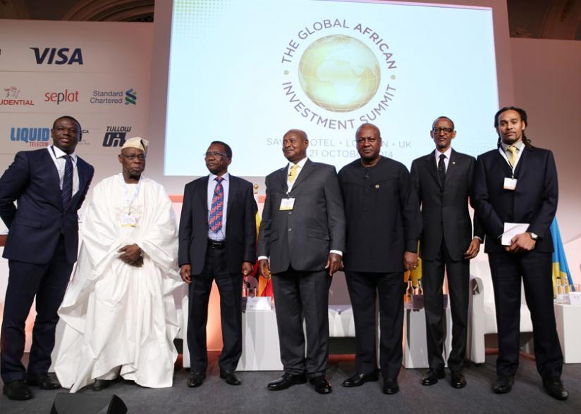 L-R: The summit moderator, Akwasi Sarpong; former Nigerian President Olusegun Obasanjo; Tanzanian premier Pinda; Presidents Museveni of Uganda; Mahama of Ghana, Kagame of Rwanda; and the event organiser, Paul Sinclair. (Village Urugwiro)