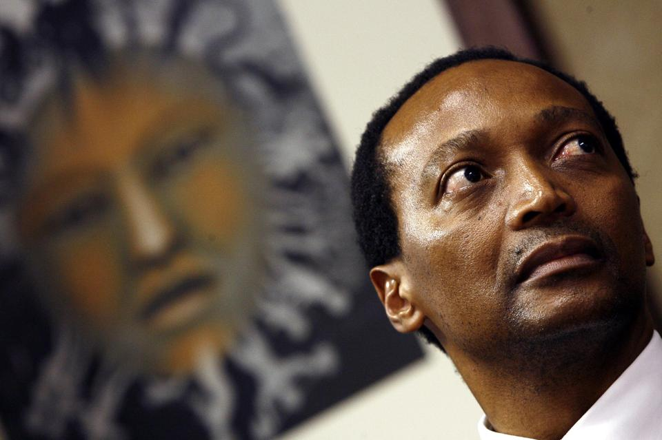 South African businessman Patrice Motsepe donated $1 million (784,000 euros) to the Ebola Fund to help fight the disease (AFP Photo/Gianluigi Guercia)