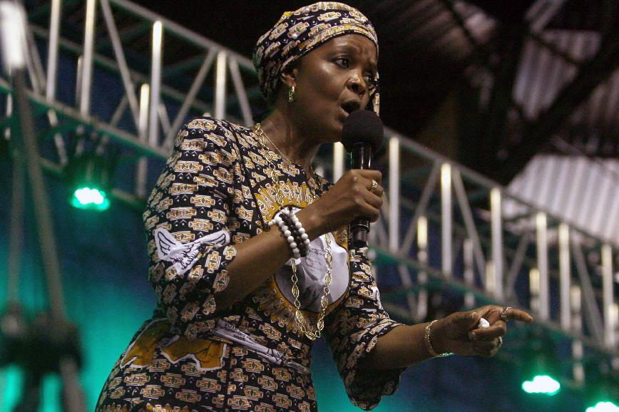 Zimbabwe's first lady Grace Mugabe speaks during a campaign meeting in Harare on October 8, 2014 (AFP Photo/Jekesai Njikizana)