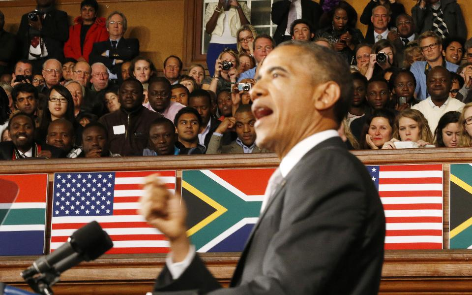 U.S. President Barack Obama delivers remarks at the University of Cape Town, June 30, 2013. (REUTERS/Jason Reed)