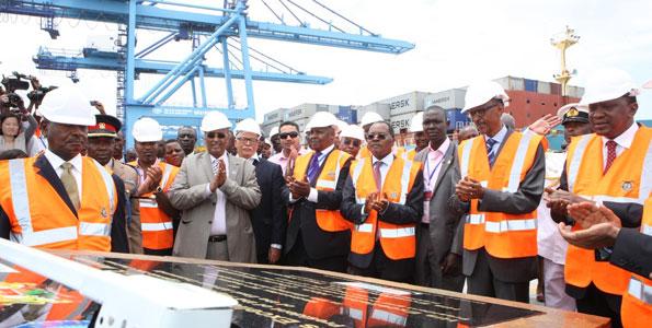 Presidents Yoweri Museveni (left), Paul Kagame (second right) and Uhuru Kenyatta (right) at the commissioning of Berth 19 at the Mombasa port. PHOTO | FILE