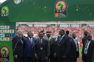 Equatorial Guinea's President Teodoro Obiang Nguema Mbasogo (C) addresses the crowds ahead of the 2015 African Cup of Nations group A football match between Equatorial Guinea and Congo at Bata Stadium in Bata on January 17, 2015 (AFP Photo/Khaled Desouki)