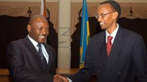 Has Burundi's Pierre Nkurunziza (l) picked up tactics from Rwanda's Paul Kagame (r)?