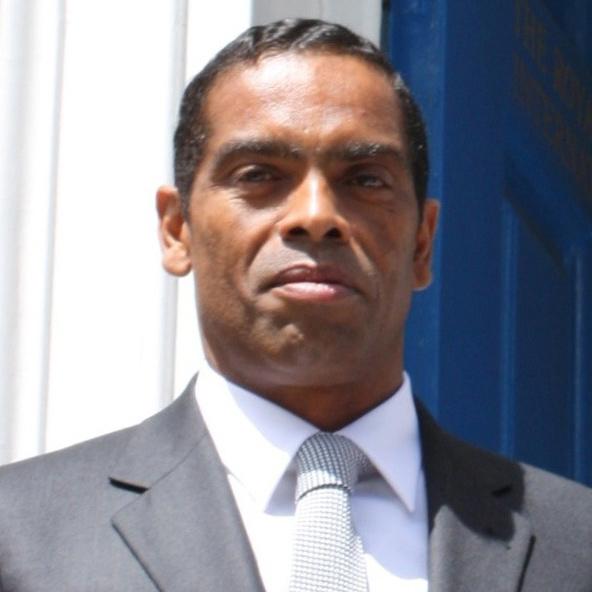 Dr. Álvaro Sobrinho