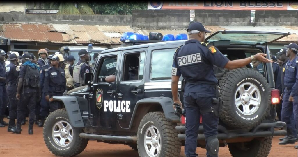 Police forces deployed at the Kondengui Central Prison in Yaounde, Cameroon, July 23, 2019. ( M. Kindzeka, VOA)