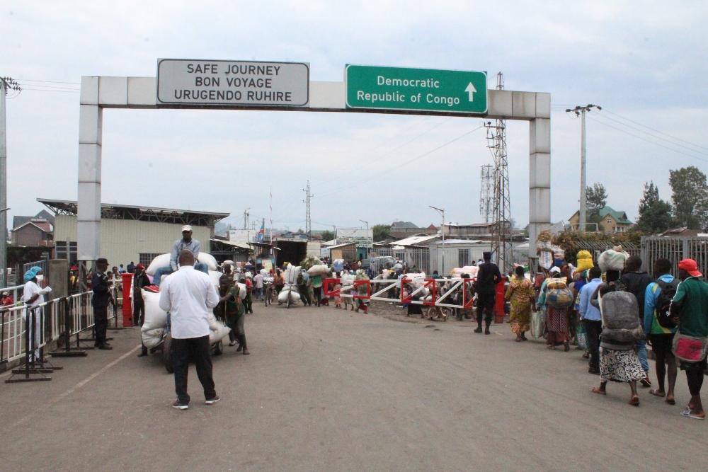 Over 30 000 people cross Gisenyi border everyday