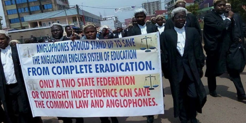 Lawyers protesting in 2016