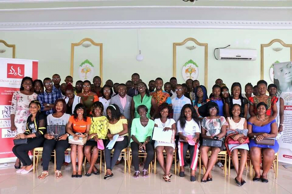 Participants and Foretia Team pose for a photo in connection with the event on common sense solution to promote peace in Cameroon and the role of the civil society organizations