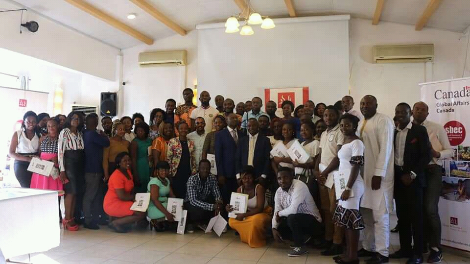 participants, trainers and Foretia team at the end of the small business and entrepreneurship training in Douala