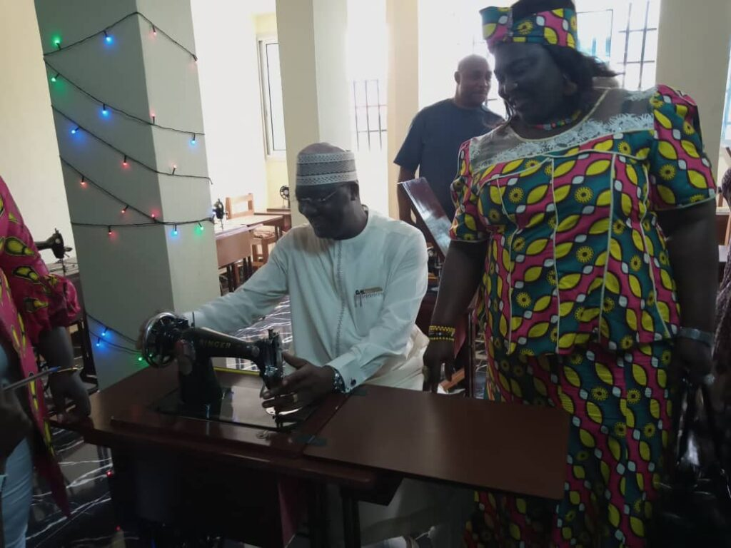 Ibrahim Mohammed Bashir, Nigerian Consul General to NOSO tests the machines put at the disposal of displaced persons