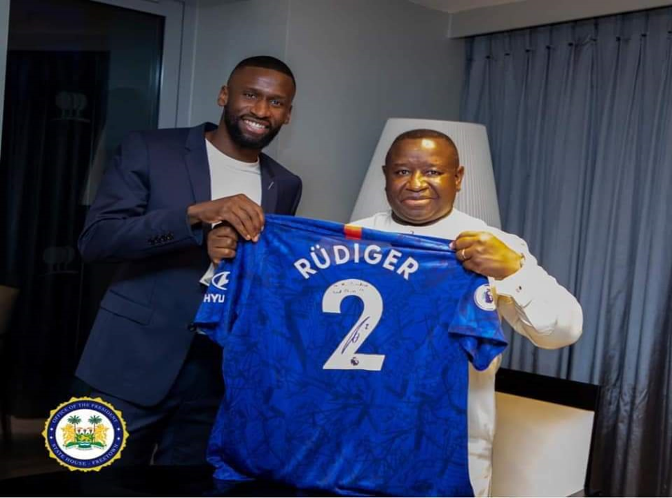 Antonio Rüdiger & President Julius Maada Bio – photo credit. State House Com.