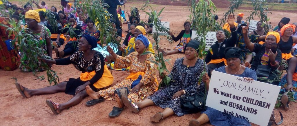 Women from the North West Region of Cameroon gathered on 7 September 2018 to call for an end to the conflict that has resulted in many being killed and thousands displaced