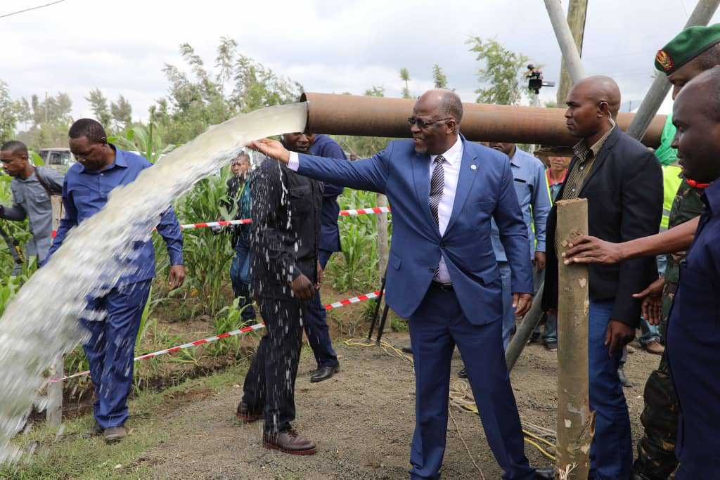 President Magufuli inaugurating a water project
