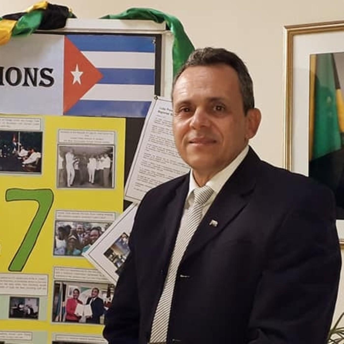 Dr. José Armando Arronte Villamarín