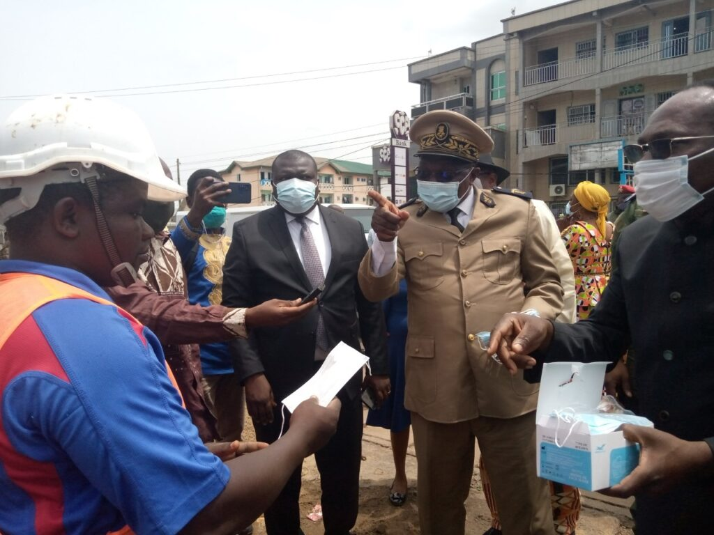 Officials in the South West Region say there is need for everyone to wear a facemask against the coronavirus