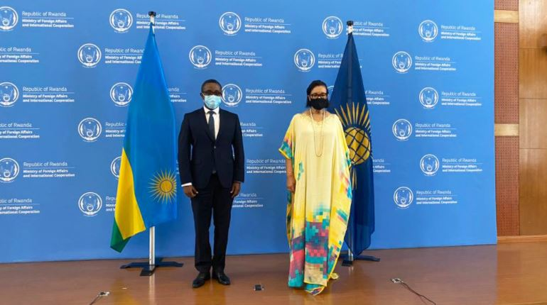 Rwanda's Foreign Minister Vincent Biruta (R) poses for a picture with Commonwealth Secretary-General Patricia Scotland in Kigali, Rwanda. /Photo courtesy: Patricia Scotland – Twitter.