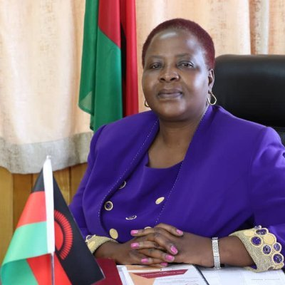We have a local study that has shown that there hasn't been any side effects on people that have received the jab here in Malawio so let there be no panic, says Health Minister Khumbize Chiponda